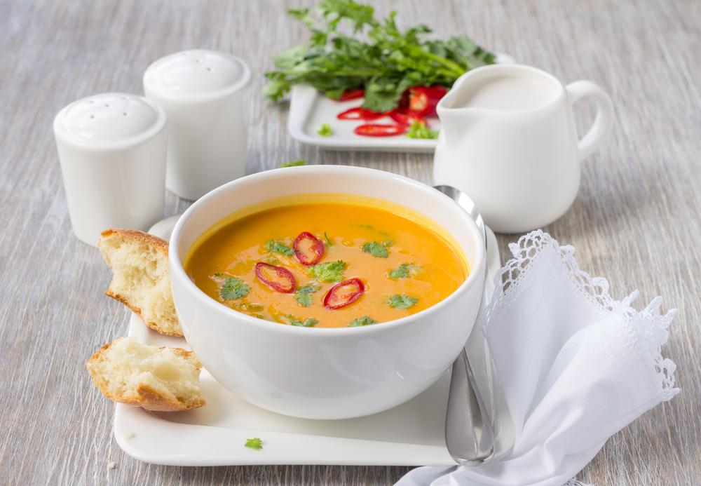 Vegane Thai Kürbissuppe mit Kokosnussmilch