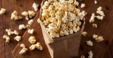 Gesunde Snacks wie Popcorn selber machen