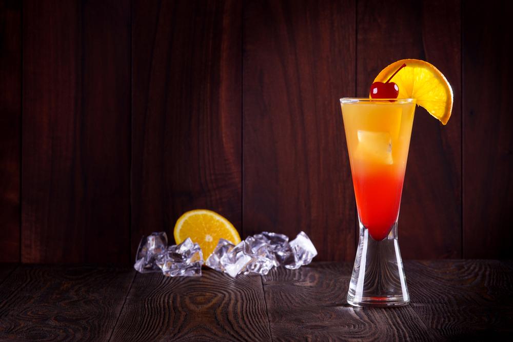 Den mag doch jeder! Tequila Sunrise - unser Cocktailrezept Klassiker.